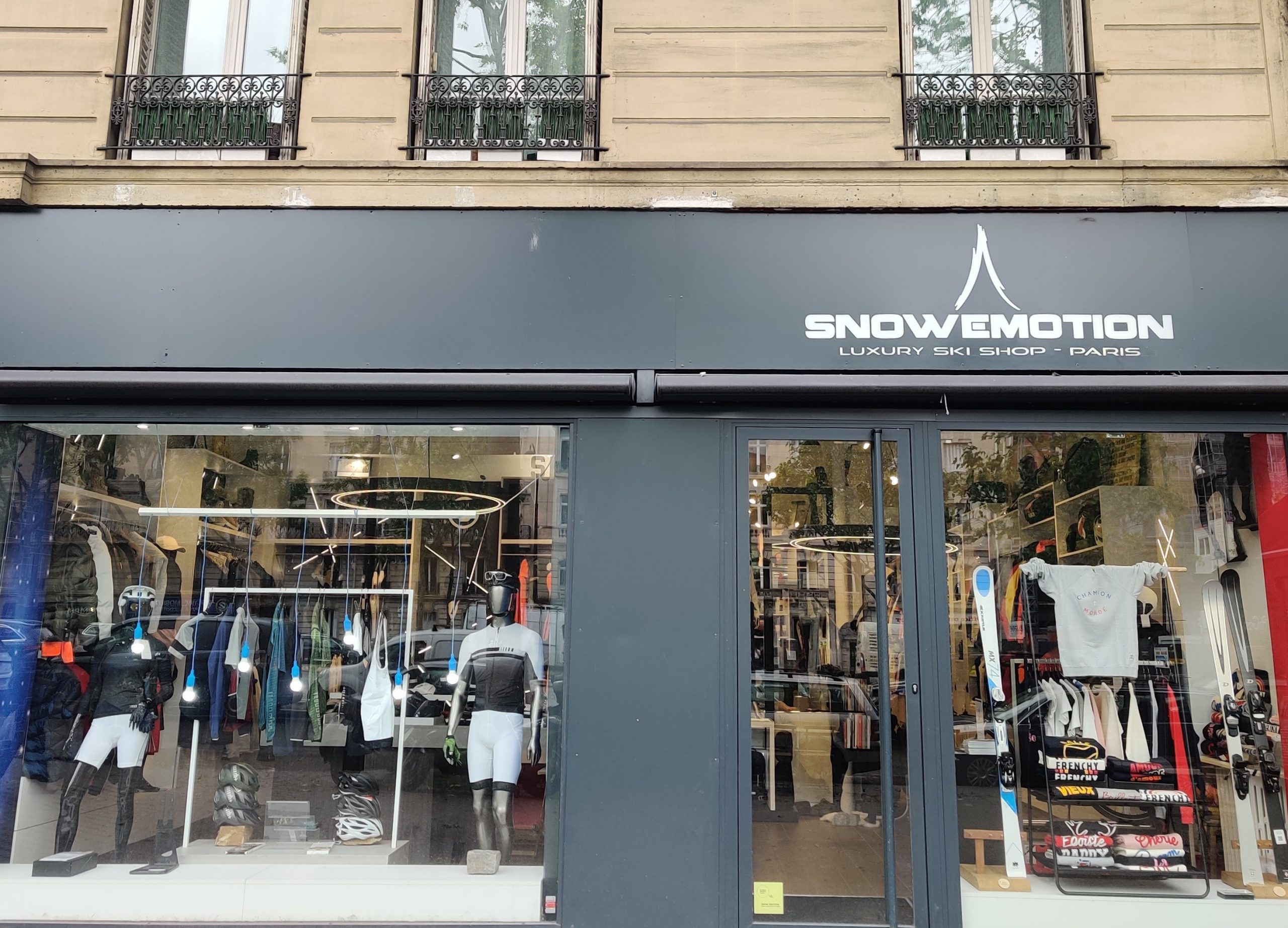 Reopening of the Snow Emotion store